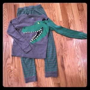 Carter's 2-piece cotton dinosaur pajamas - EUC